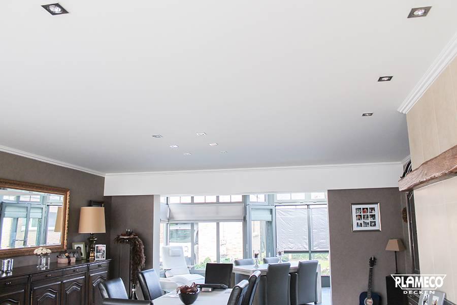 decke folie bespannen excellent die decke ist isoliert mit folie bespannt und mit latten. Black Bedroom Furniture Sets. Home Design Ideas